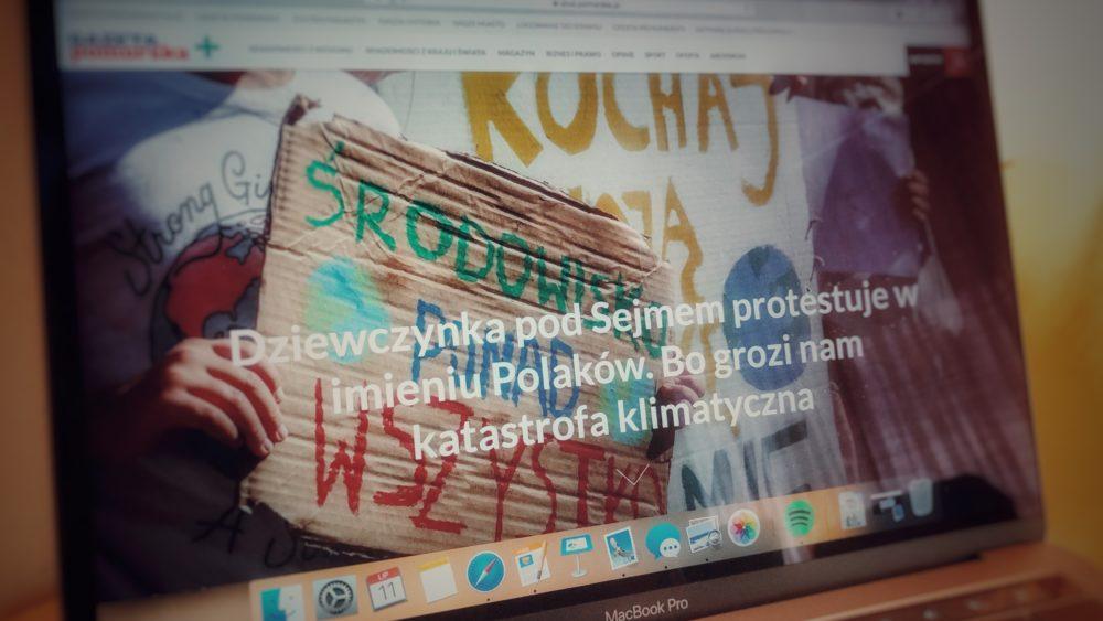Dziewczynka pod Sejmem protestuje w imieniu Polaków. Bo grozi nam katastrofa klimatyczna